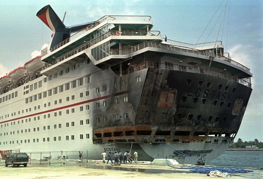 A Look Back The Carnival Ecstasy Fire Of 1998 At Miami